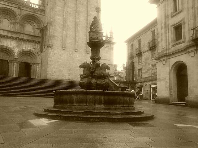 Seducida y embrujada por la zona vella de Santiago